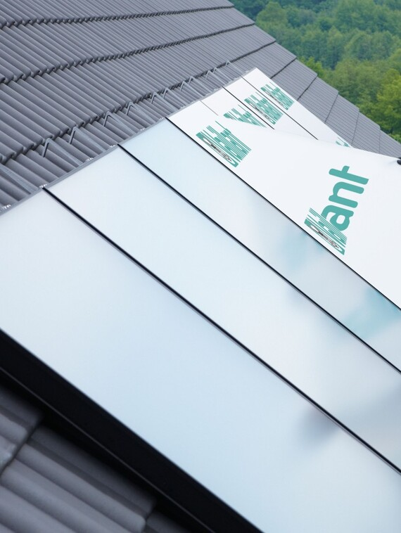 //www.vaillant.no/media-master/global-media/vaillant/product-pictures/emotion-2/solar12-3395-01-45267-format-3-4@570@desktop.jpg